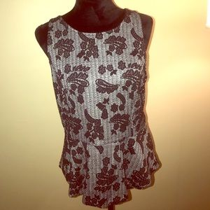 Sleeveless Top • Business casual • size L